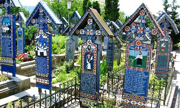 Cimitirul Vesel din Săpânţa, Maramureş 1