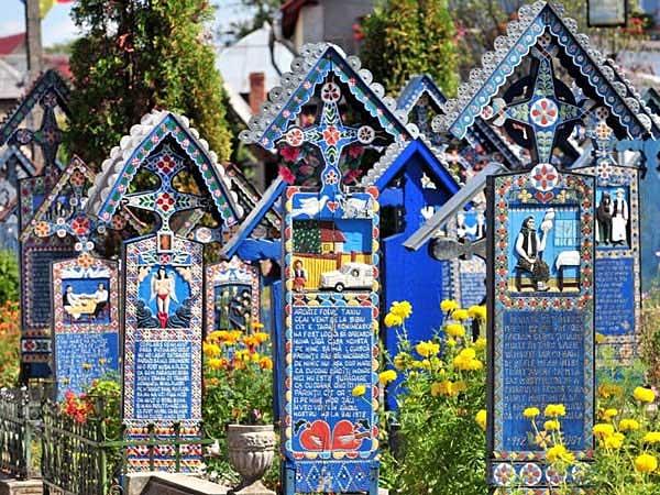 Cimitirul Vesel din Săpânţa, Maramureş 3
